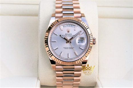 Rolex Day Date 228235 Eta Saat 40 mm Motif Rose Dial